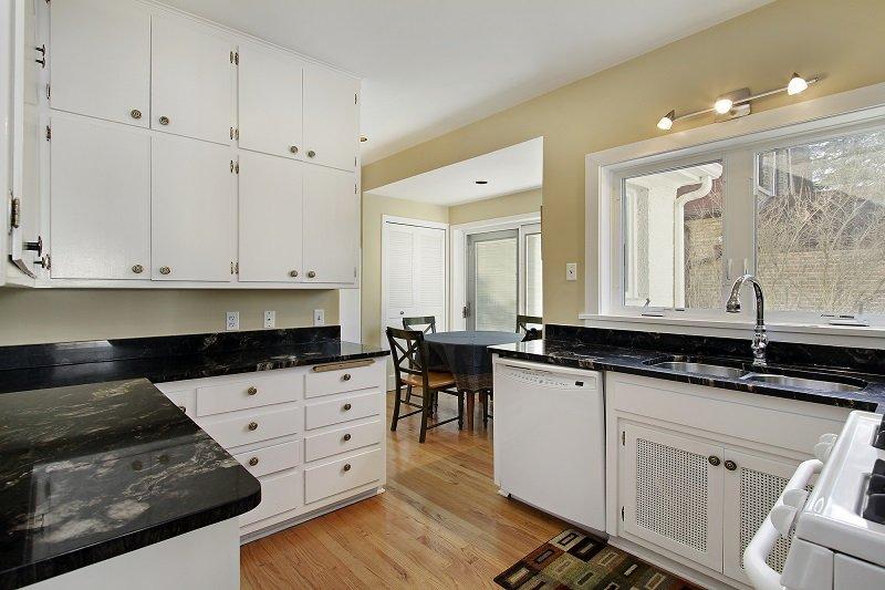 высота навески шкафов на кухне
