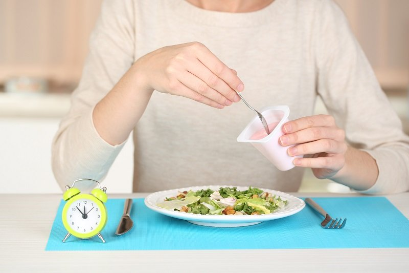 Японская диета «Окно питания»: поможет большой перерыв в еде, нужно есть реже!
