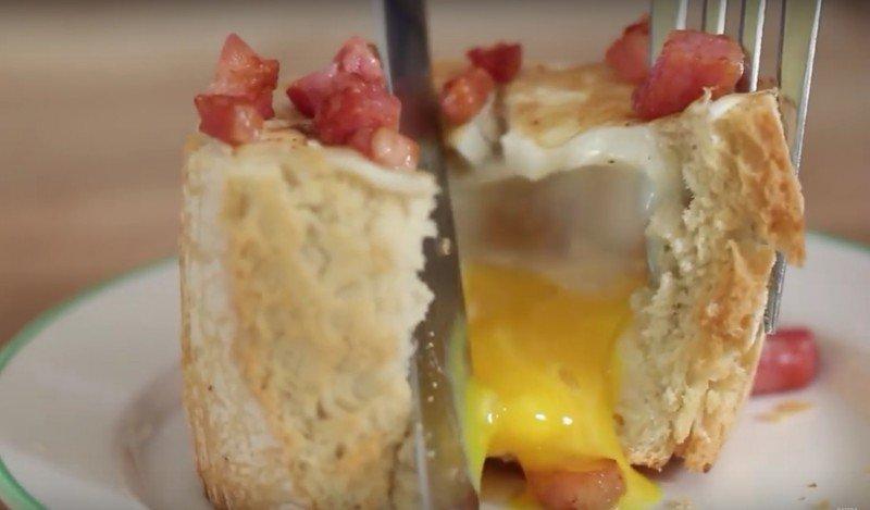яйцо в багете