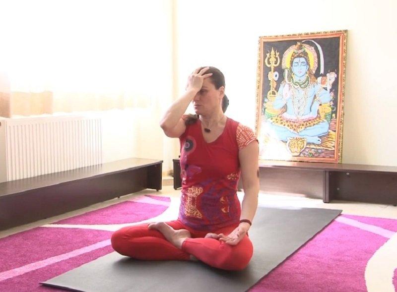 йога для шеи