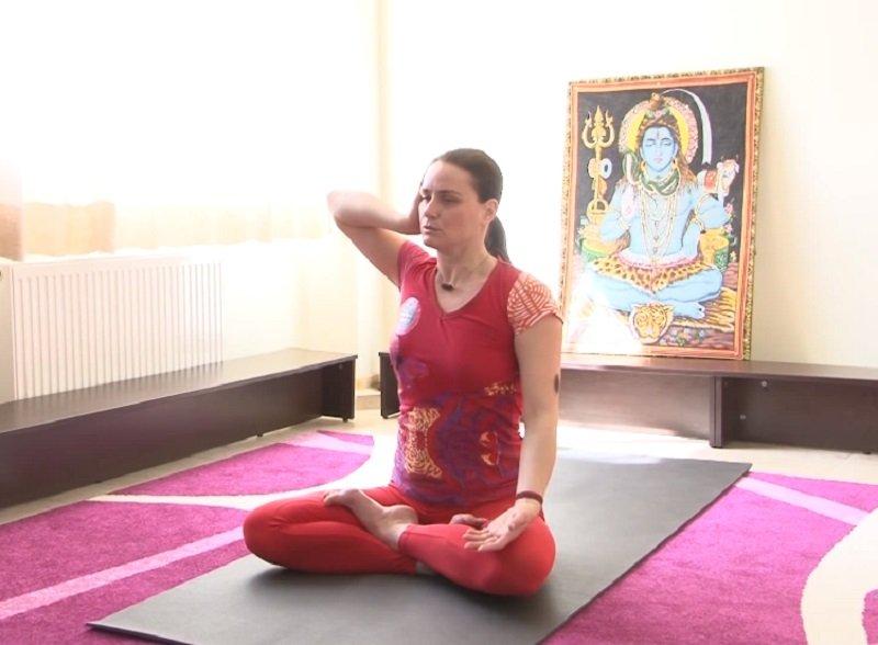 йога для шеи и плеч