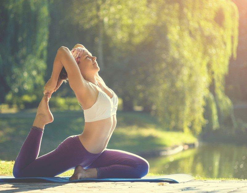 йога для женщин комплекс упражнений