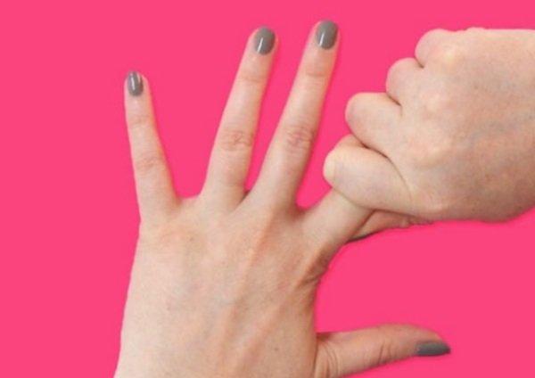 массирование указательного пальца
