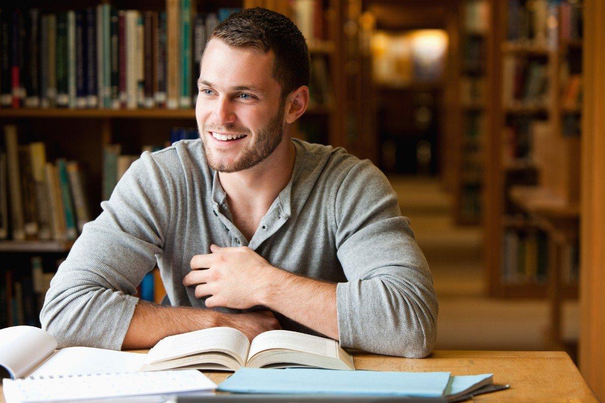Зачем нужно читать и как осилить больше 100 книг в год