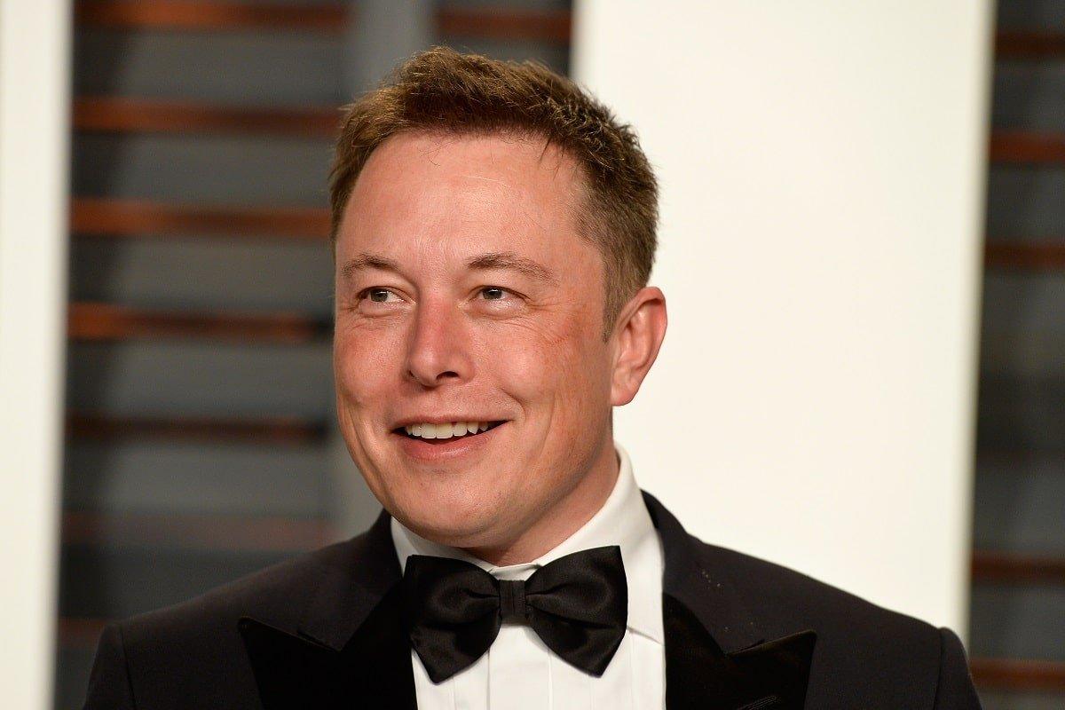 Загадка, которую Илон Маск хитро предлагает решить при приеме на работу в Tesla