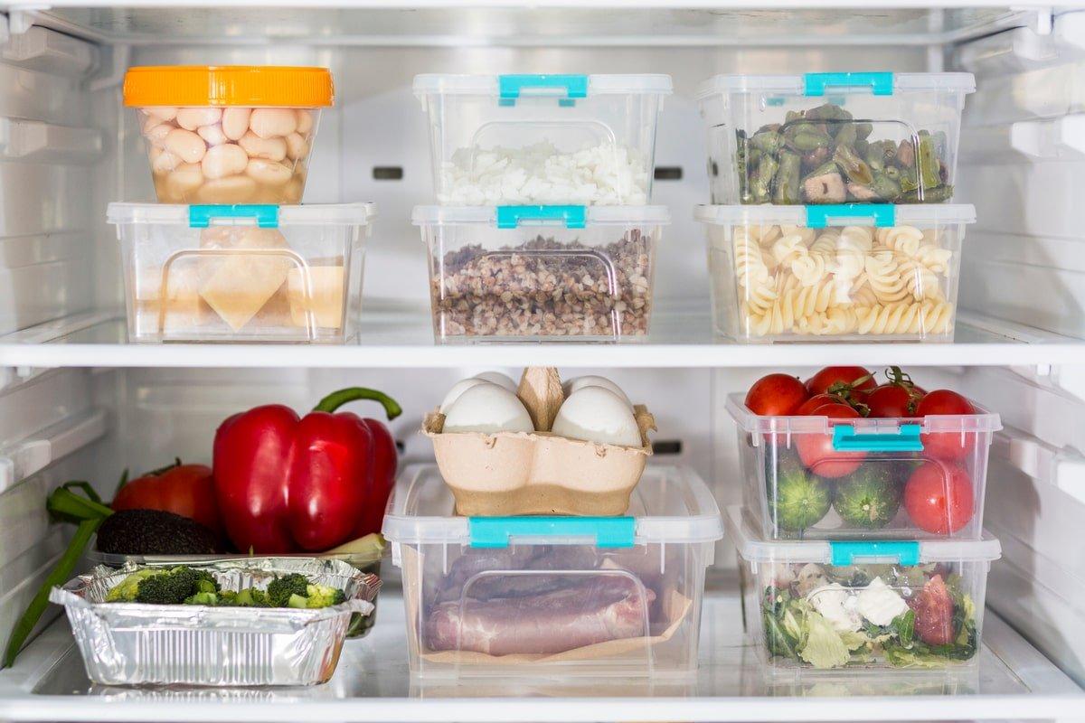 Чистоплотная хозяйка заготавливает еду на месяц, тратит всего 1 день, на кухне больше не появляется