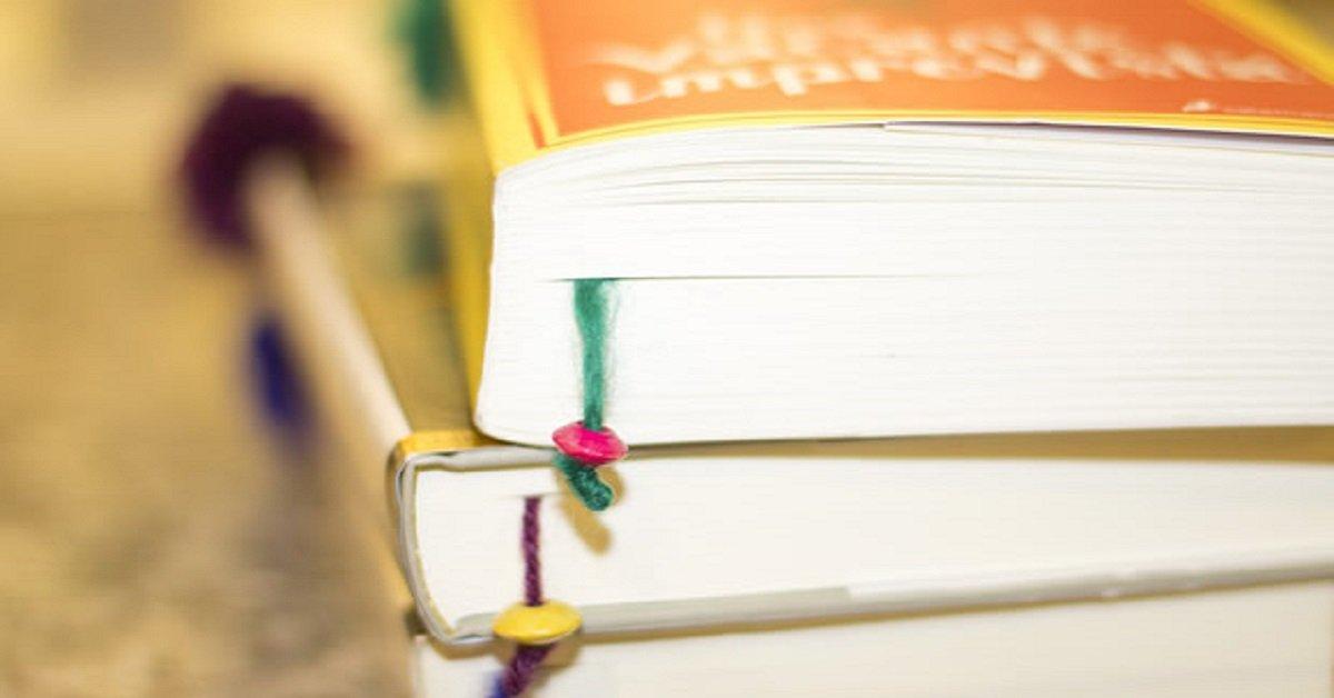 С такими оригинальными закладками для учебников малыш точно полюбит читать!
