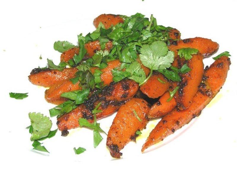 Гаджар сабджи — морковь в медовой глазури по-индийски может быть и закуской, и десертом, и гарниром
