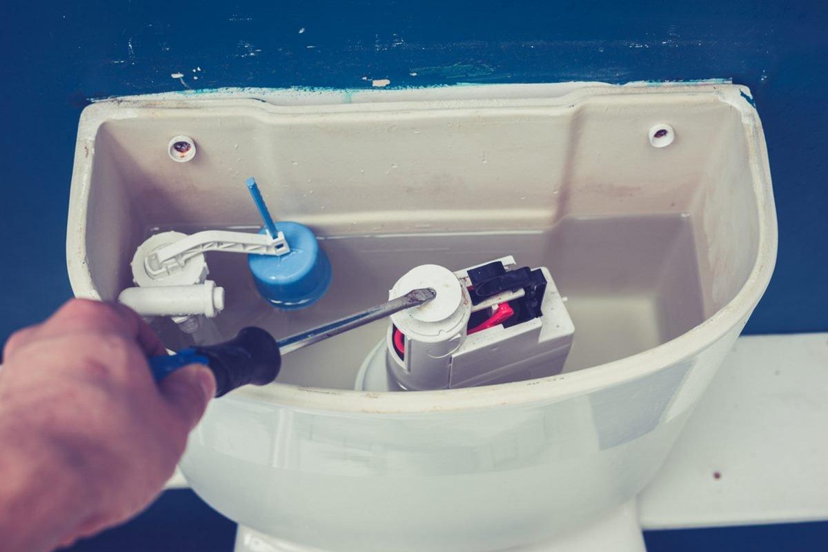 в туалете запах канализации