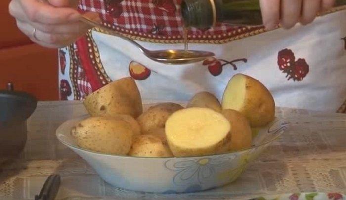 картофель в духовке на пергаменте