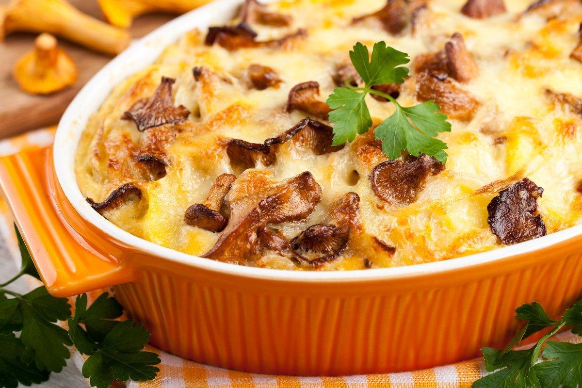 Рецепт картофельной запеканки с сыром и грибами