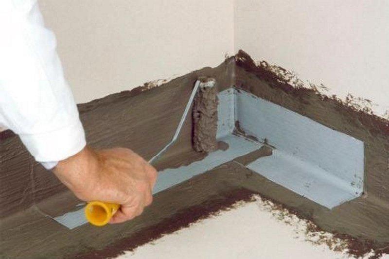 как заделать щель между ванной и стеной большого размера