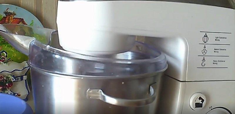 дрожжевые лепешки со сметаной