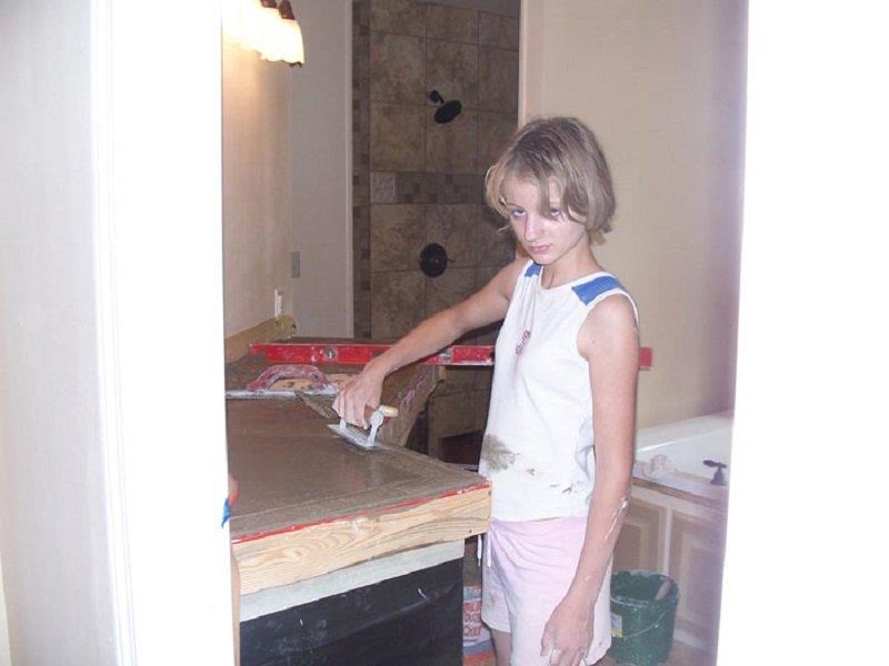 женщина построила дом своими руками