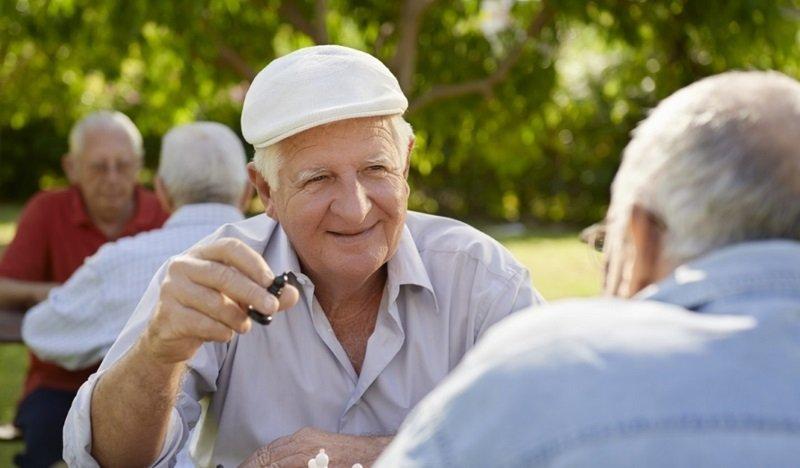 как живут пенсионеры в разных странах мира