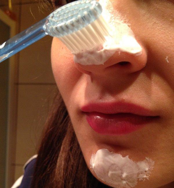 Чистка Лица Зубной Щеткой